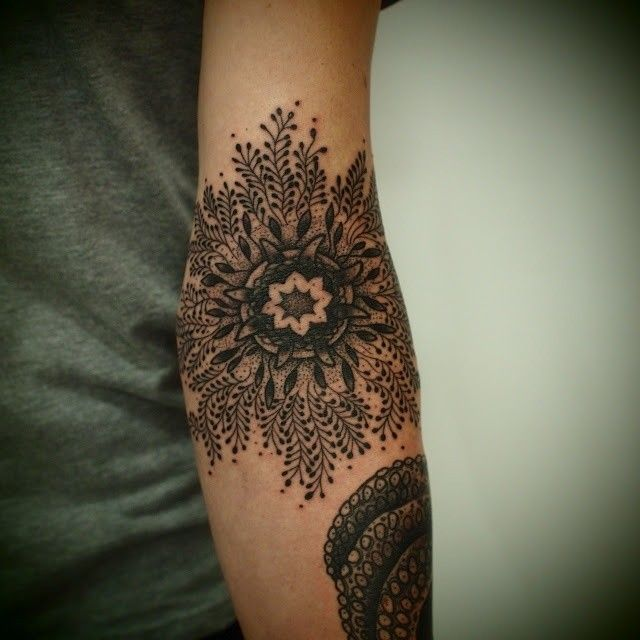 Cute flowers lace tattoo on arm
