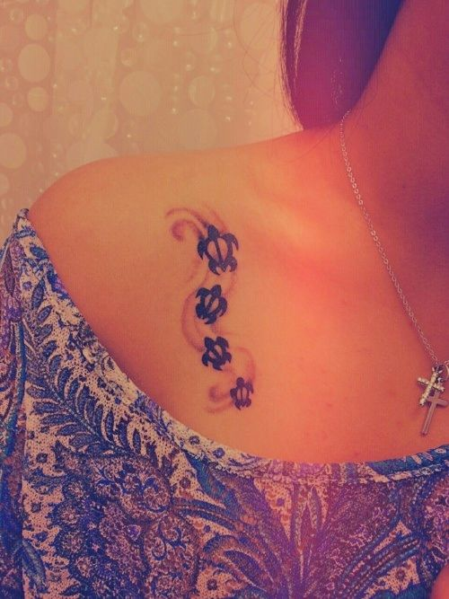 Girl with turtles tattoo