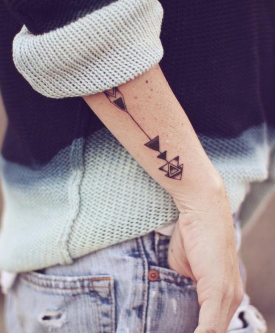 Gorgeous men's line tattoo on arm
