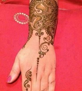 Amazing black Henna and Mehndi design tattoo