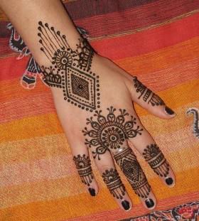 Amazing simple design Henna and Mehndi design tattoo