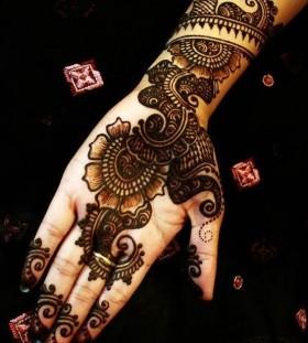 Black cute Henna and Mehndi design tattoo