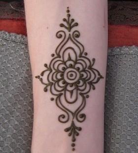 Black simple Henna and Mehndi design tattoo