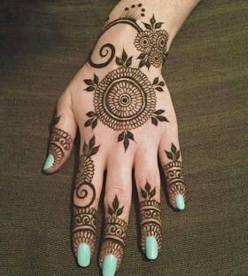 Gorgeous black Henna and Mehndi design tattoo