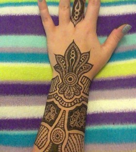 Lovely nails and Henna and Mehndi design tattoo