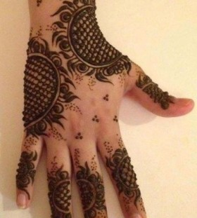 Sun black Henna and Mehndi design tattoo