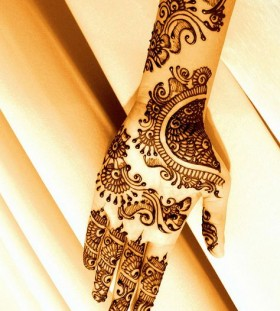 Traditional style Henna and Mehndi design tattoo