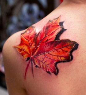 3D Autum leaf on shoulder tattoo