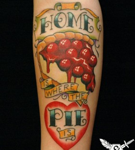 Adorable looking pizza tattoo