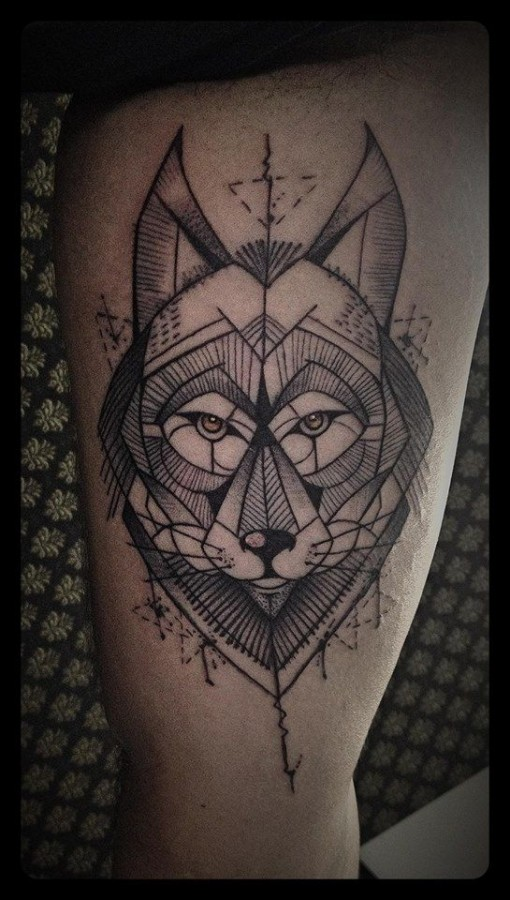 Amazing geometric wolf tattoo by Tyago Compiani