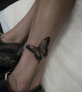 ankle-butterfly-tattoo-by-pari_corbitt