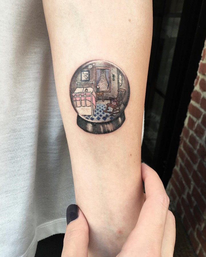 bedroom-circle-tattoo