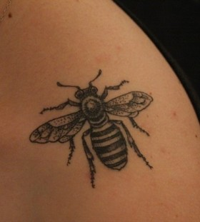 Bee tattoo by Rachel Hauer