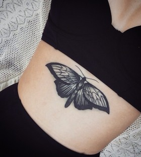 belly-butterfly-tattoo-by-pari_corbitt