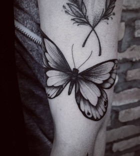 blackwork-butterfly-tattoo-by-fetattooer