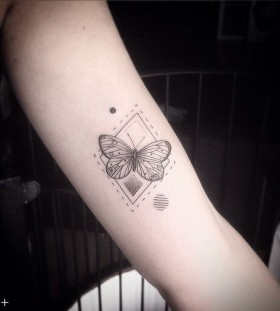 blackwork-geometric-butterfly-tattoo-by-octavio_camino