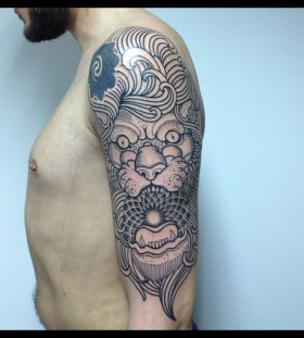 Brilliant lion tattoo by Pepe Vicio