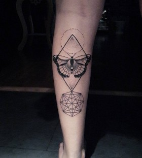 dotwork-geometric-butterfly-tattoo-by-diogorochatattooer