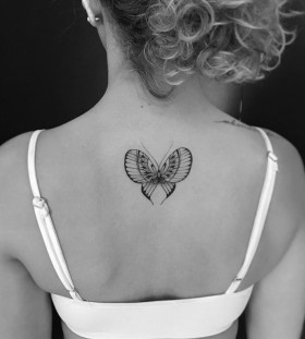 exquisite-back-butterfly-tattoo-by-miltonreistatuador