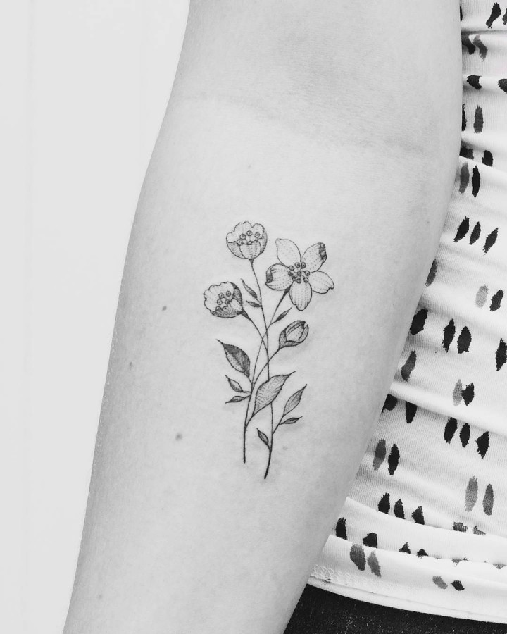 flower tattoo by j_a_s_a_n_d