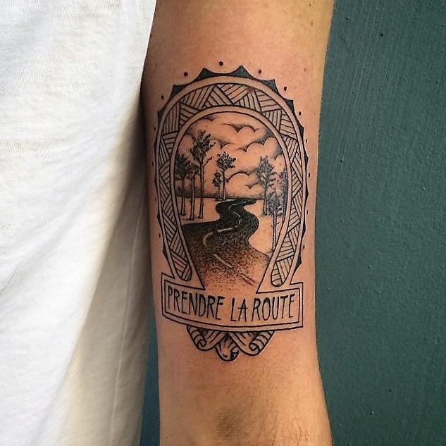franck-pellegrino-bleunoir-on-the-road-blackwork-tattoo