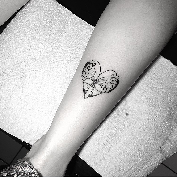 heart-shaped-butterfly-tattoo-by-miltonreistatuador