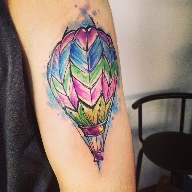 hot-air-ballonn-watercolor-tattoo