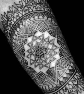 Incredible geometric tattoo by Brian Gomes