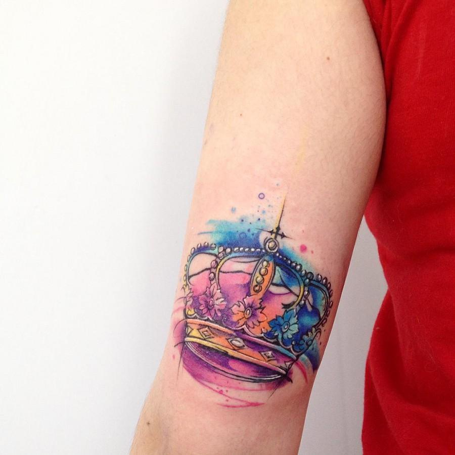 king-crwon-watercolor-tattoo
