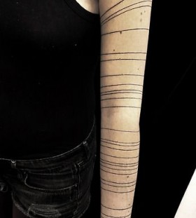 Lines Mirja Fenris arm tattoo