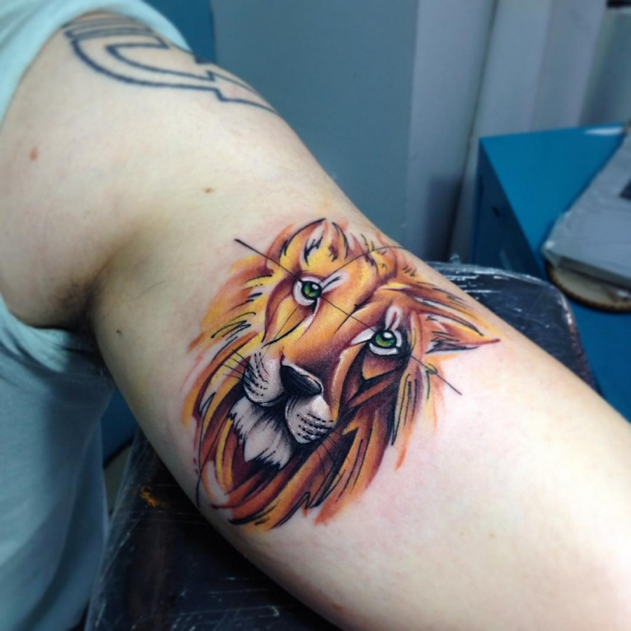 lion-freehand-watercolor-tattoo