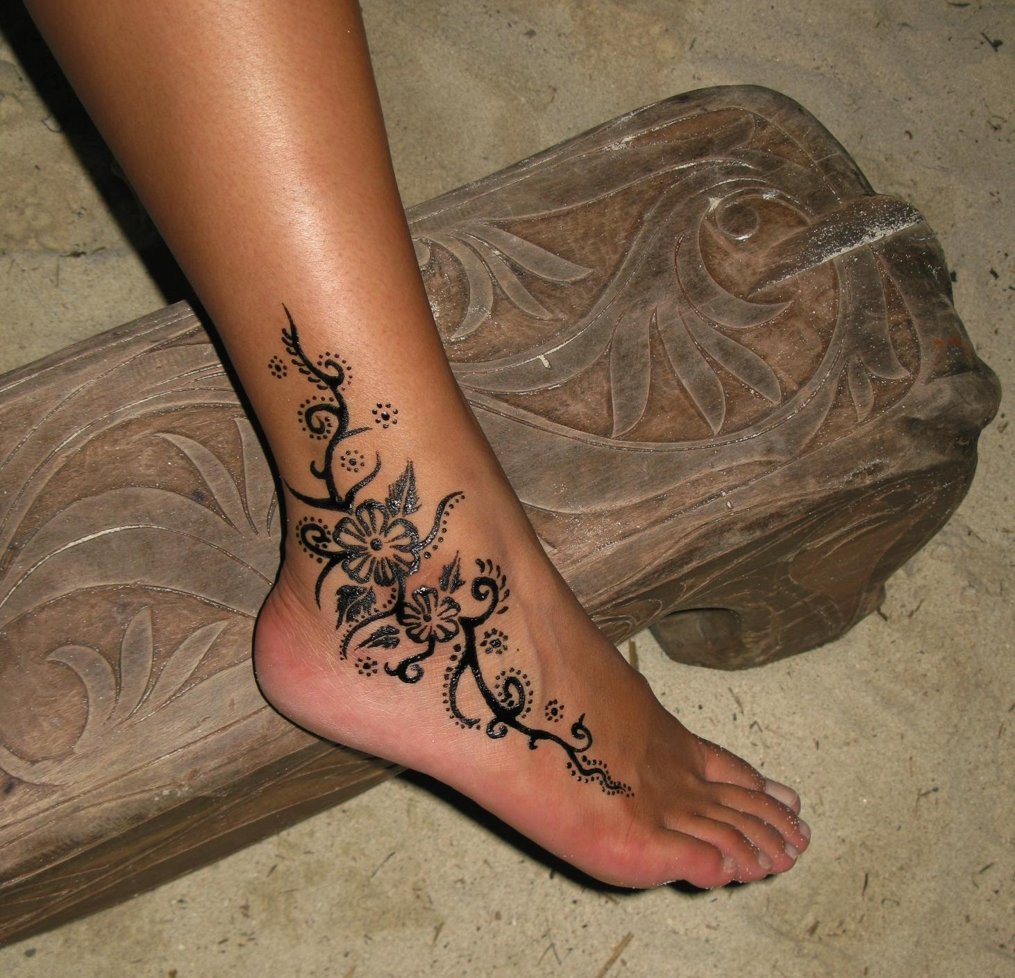 Lovely Flower Ankle Tattoo Tattoomagz Tattoo Designs Ink