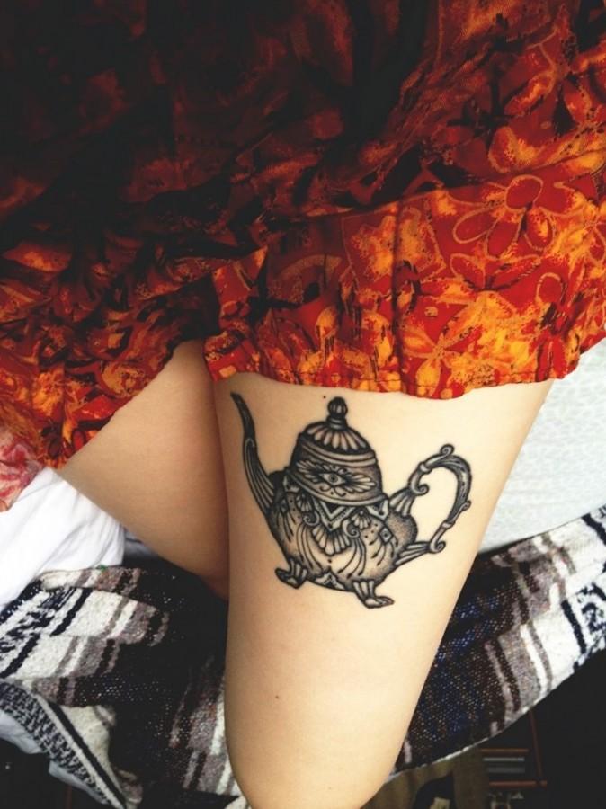 Lovely teapot leg tattoo