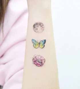 moon-butterfly-and-flower-tattoo-by-tattooist_banul