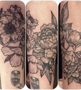 Nice flowers tattoo by Rachel Hauer