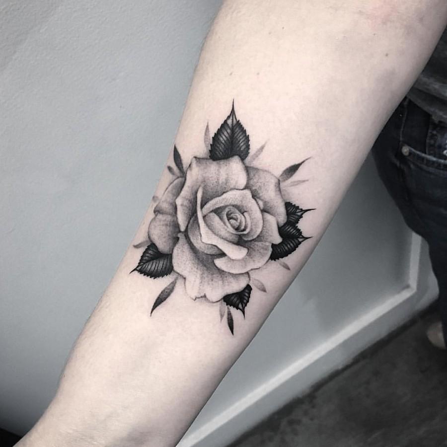 perfect-rose-tattoo-by-elisabeth-markov