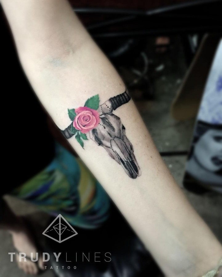pink-rose-and-skull-tattoo-by-trudy-lines