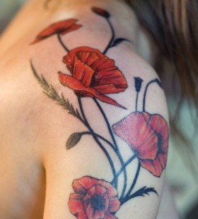 poppy-shoulder-tattoo