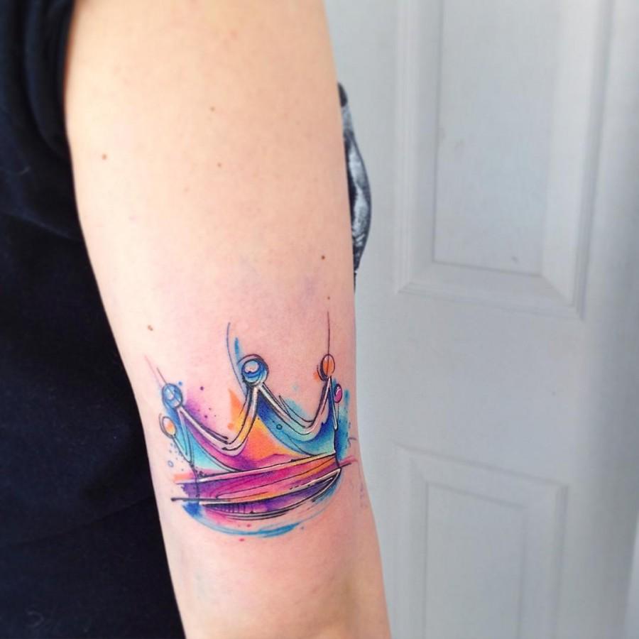 queen-crown-watercolor-tattoo