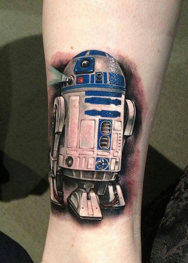 R2D2 tattoo by Benjamin Laukis