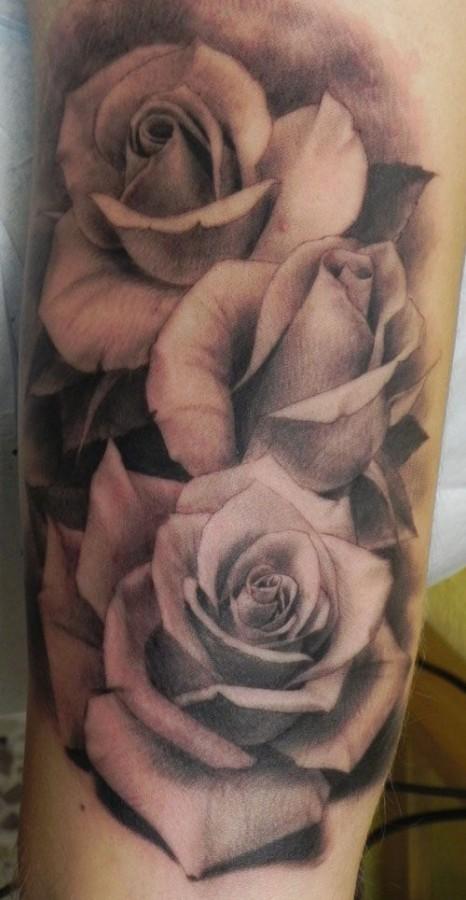 Roses tattoo by Xavier Garcia Boix