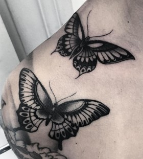 shoulder-butterflies-tattoos-by-slumdog.tattooer