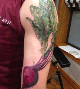 Simple beet tattoo by Esther Garcia