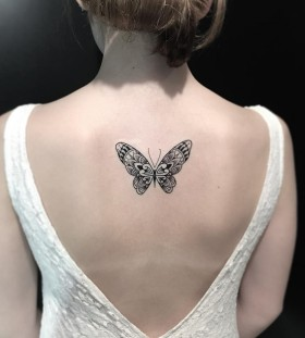small-back-butterfly-tattoo-by-miltonreistatuador