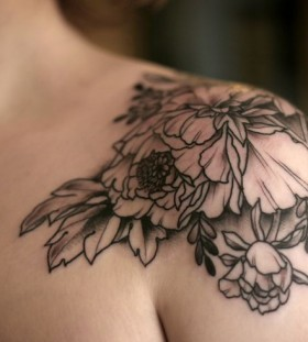 Sweet flowers tattoo by Kirsten Holliday