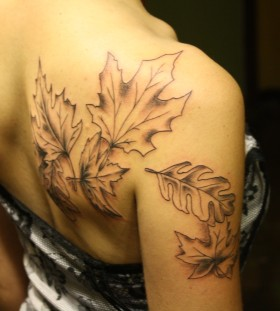 Amazing women's autumn colorful tattoo
