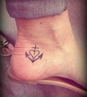 Anchor and heart fashion style tattoo