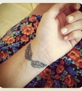 Best look wing tattoo