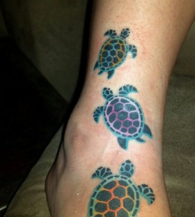 Black and blue Honu turtle tattoo