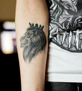 Crown an black lion tattoo